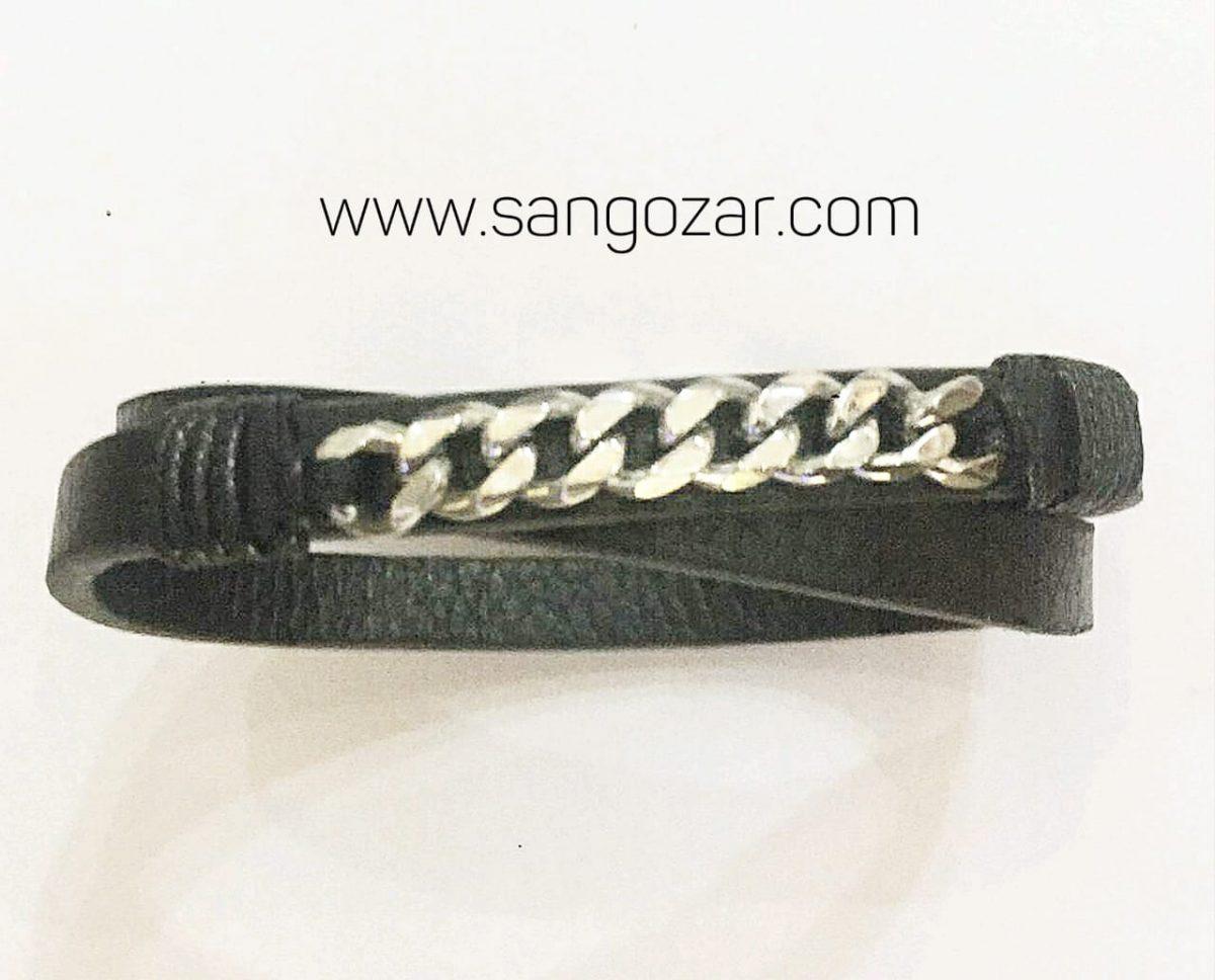 دستبند دو دور چرم و پلاک استیل کارتیه (sz13256)